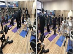 좌상단 사진은 생활체육지도강사의 지도하에 자조모임 몸짱클럽 시작 전 준비운동으로 허리강화 운동을 하고 있는 사진입니다. 우상단 사진은 생활체육지도강사의 지도하에 균형잡기 운동을 하고 있는 사진입니다.
