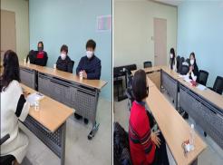 ■ 사진좌측은 교육생들이 강사님과 인사를 나누며 자기소개를 하고 있는 모습  ■ 사진우측은 강사님의 수업에 경청하며 수업에 참여하고 있는 교육생들의 모습